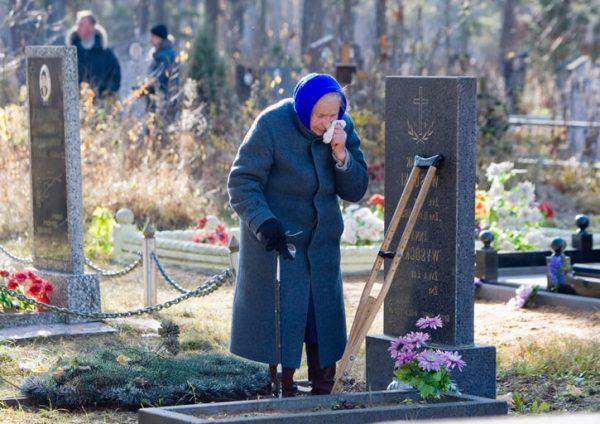 Когда посещать кладбище в поминальные дни