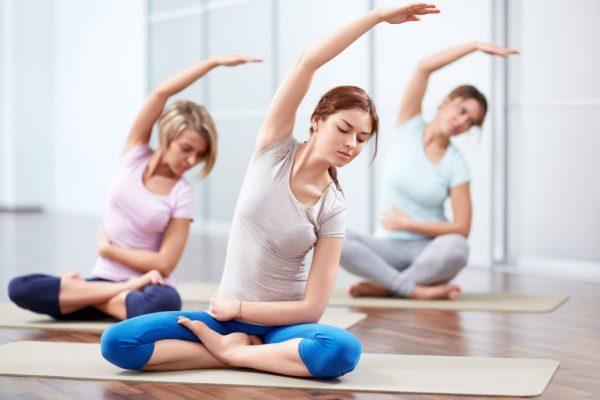 Разрешается выполнять некоторые позы йоги