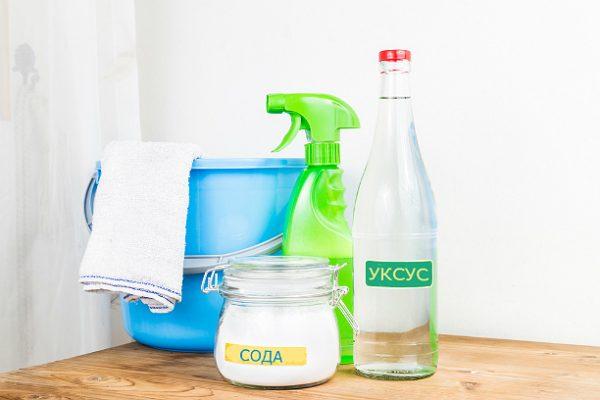 Очищение духовки столовым уксусом