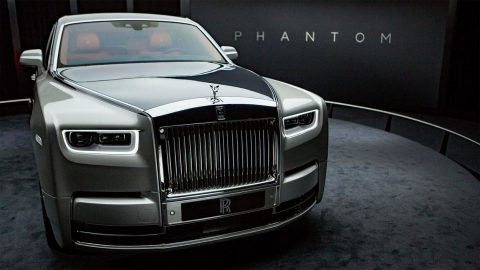 Rolls-Royce-Phantom-2018-2019-1-min