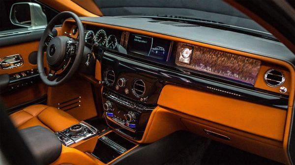 Салон Rolls-Royce Phantom 2018