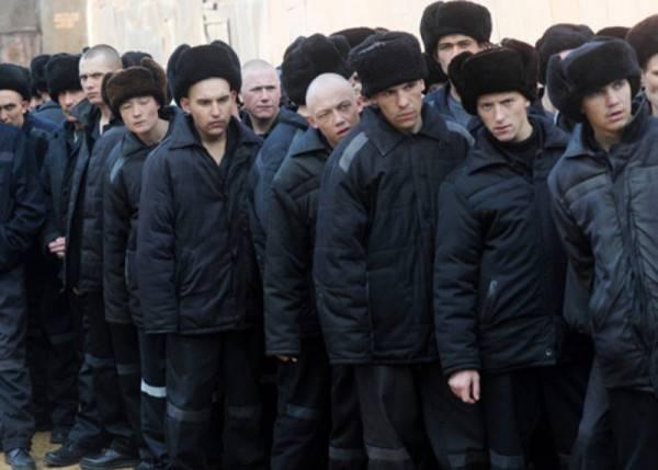Президент России Владимир Путин пообещал подумать над объявлением амнистии
