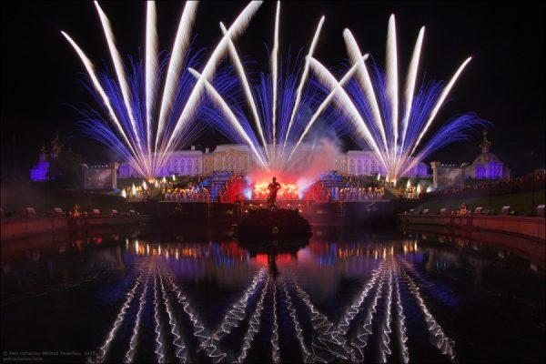 Торжественное открытие фонтанов в Петергофе состоится 19 мая 2018 года