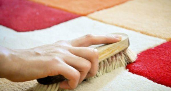 Как почистить ковер в домашних условиях