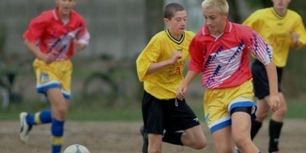 Известный футболист в юности