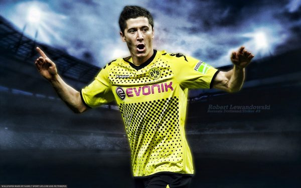 Известный футболист часто снимается в рекламе