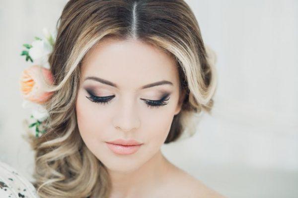 modnyj-makijazh-na-vypusknoj-28