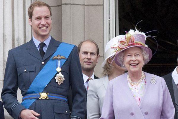 Принц Уильям и королева Елизавета II