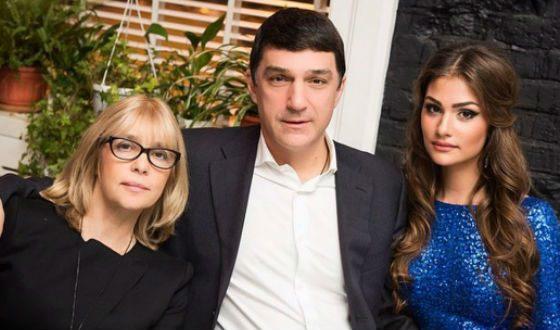 Анастасия Шубская с родителями
