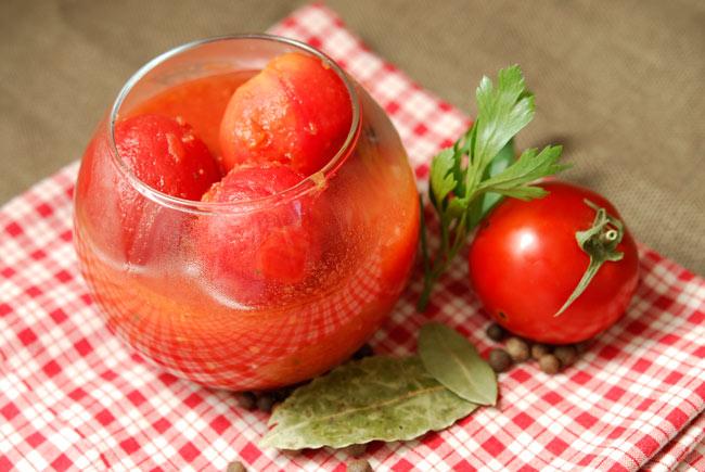 Острые помидоры в собственном соку на зиму
