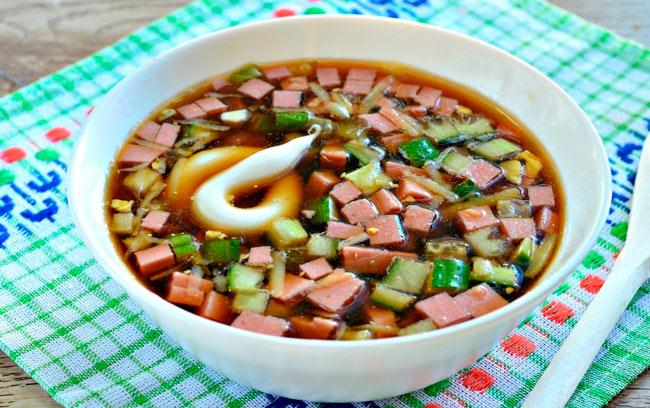 Как приготовить окрошку со сметаной без картофеля и редиски