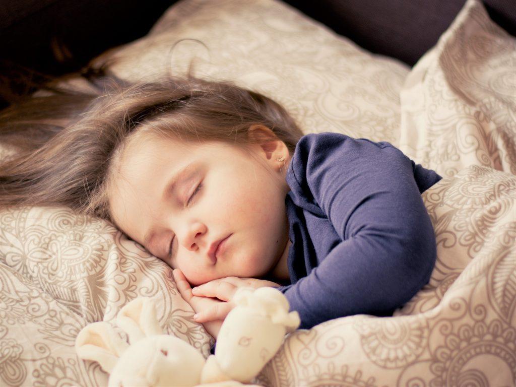 Соблюдение постельного режима - залог скорейшего выздоровления при ларингите у детей
