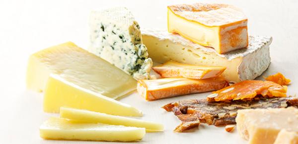 Какие сорта сыра можно замораживать в морозилке