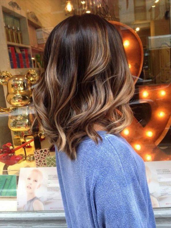 Модное каре и окрашивание волос