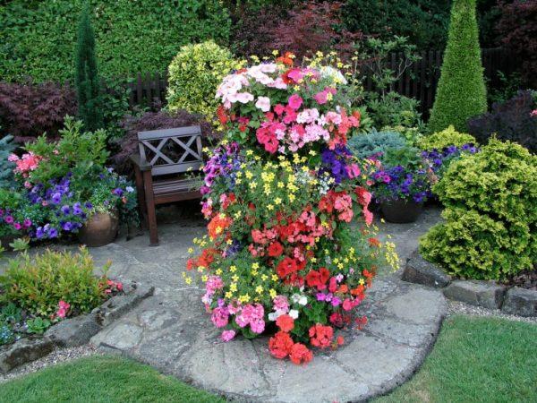 Многоуровневый цветник