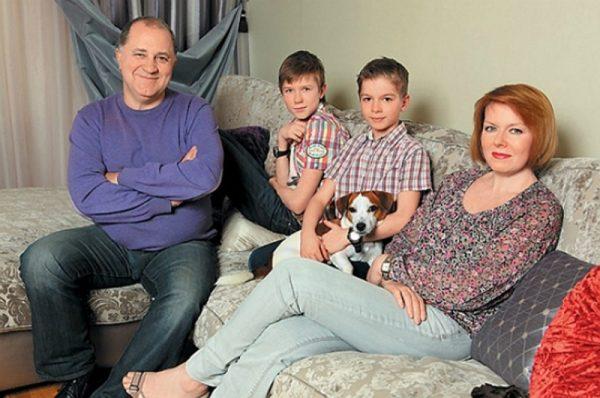 Поддержка жены и сыновей помогает Владимиру бороться с онкологией