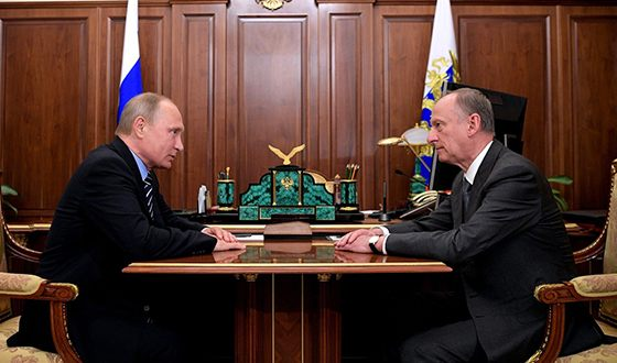 Отец Дмитрия - Николай Платонович с Владимиром Путиным