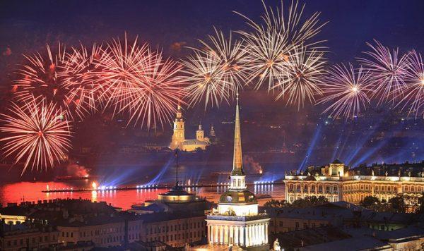 На День МВФ ожидается праздничный салют