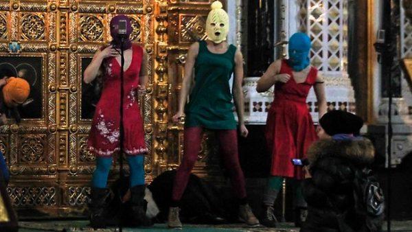 21 февраля 2012 года, участницы группы Pussy Riot провели в храме Христа Спасителя акцию под названием панк-молебен