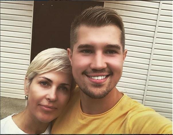 Роман Гриценко со своей мамой
