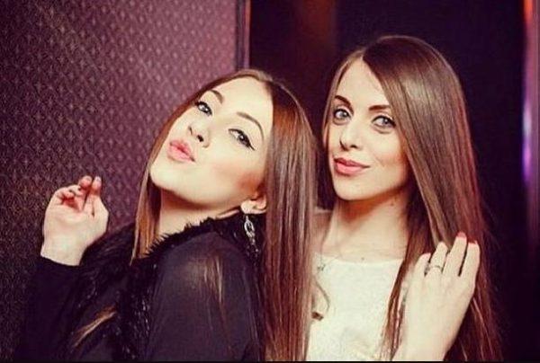 Алена со своей сестрой Ольгой