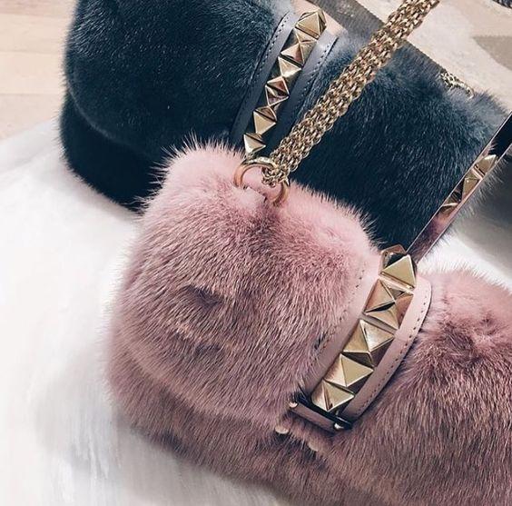 Элегантная меховая сумочка