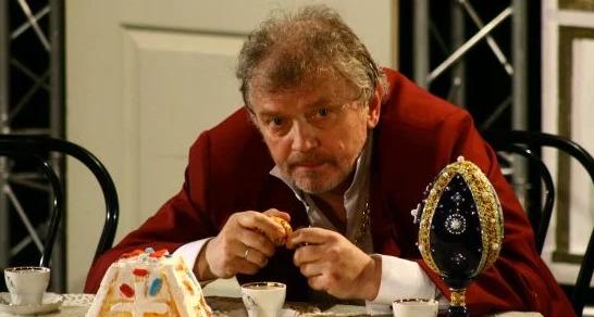 Игорь Славинский на сцене театра