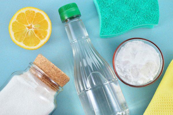 Очищение уксусом и содой