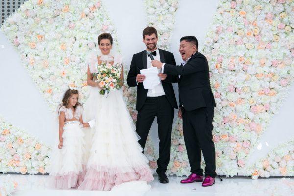 Беременная солистка Hi-Fi Таня Терешина с мужем и дочерью