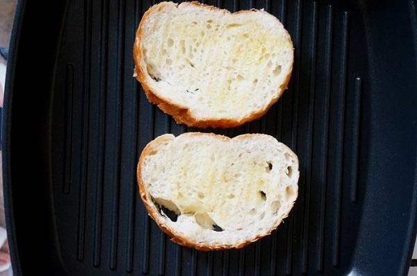 hleb-na-grile