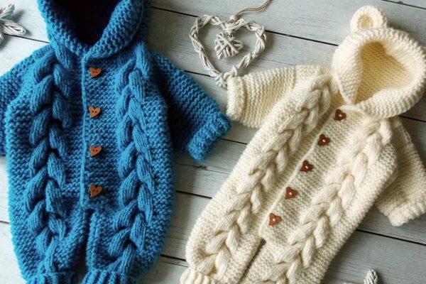 Разнообразие вязаной одежды для малышей