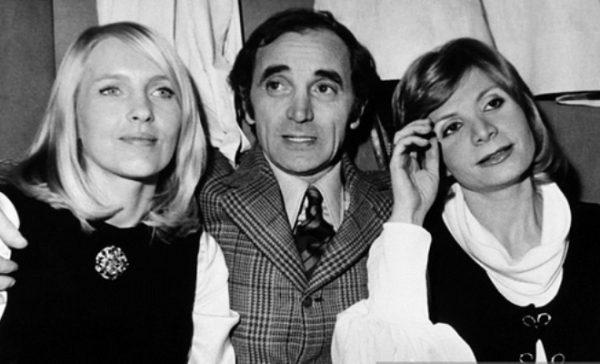 Шарль Азнавур с женой Уллой и дочерью Седой (справа)