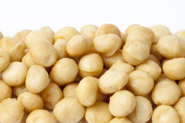 Диетологи рекомендуют использовать орех в рационе питания