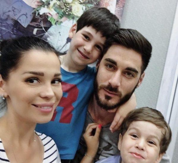 Юлия Салибекова родила 3 ребенка