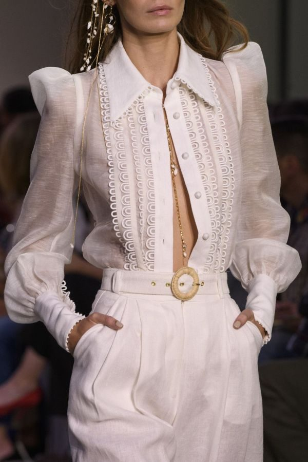Белые блузы