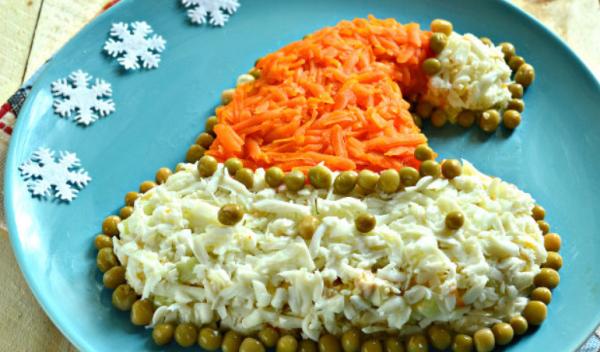 """Салат """"Шапка Деда Мороза"""": вкусный рецепт"""