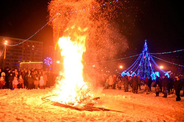 В ночь перед Рождеством Христовым зажигали костры