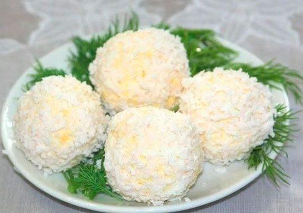 Сырное рафаэлло с курицей - простая, но оригинальная закуска
