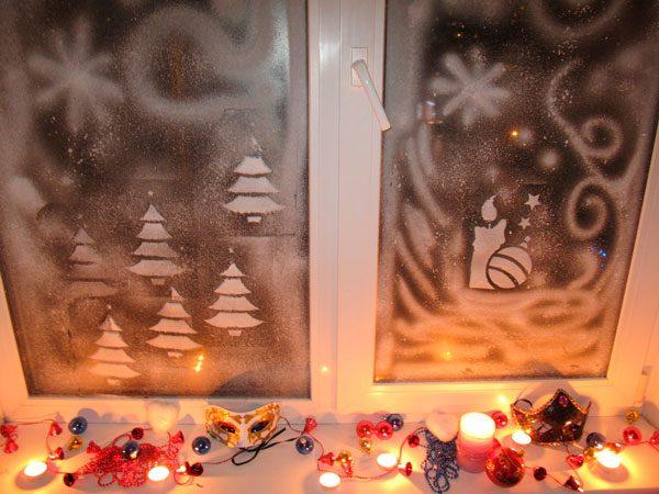 Декор окна при помощи зубной пасты