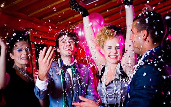 Самые прикольные конкурсы на Новый год 2019 для веселой компании