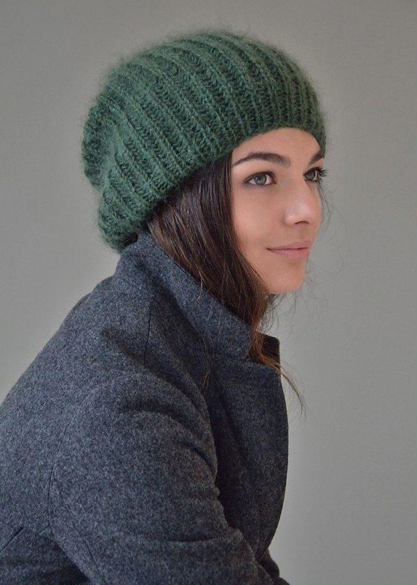Женские вязаные шапки из мохера зеленая