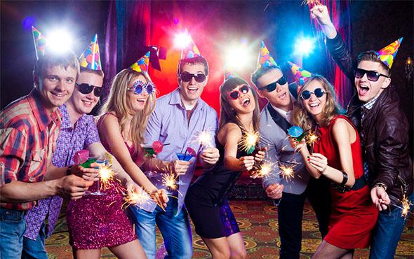 Конкурсы на Новый год 2019 для корпоратива с приколами: самые смешные