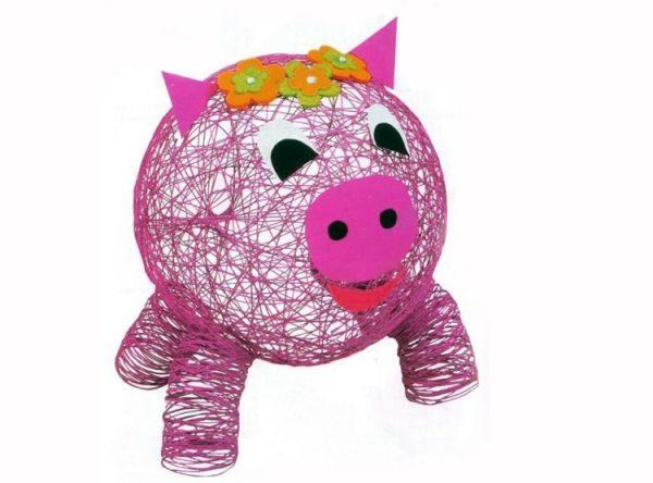 Свинка из всякой всячины