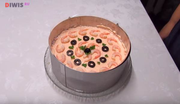 Салаты из морепродуктов на Новый год 2019 - вкусные и простые