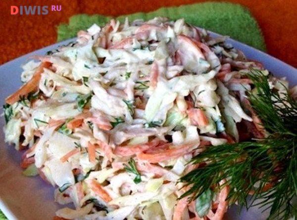 Салат с пекинской капустой, корейской морковью и курицей