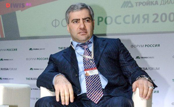 """Самвел преобразовал завод в кооперативное предприятие получившее новое название """"Зенит"""""""