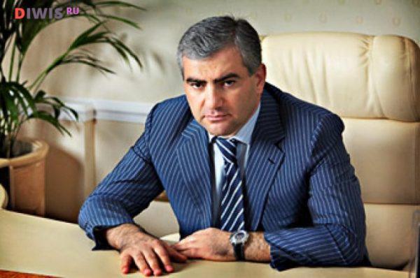 Самвел Саркисович Карапетян родился 18 августа 1965 года