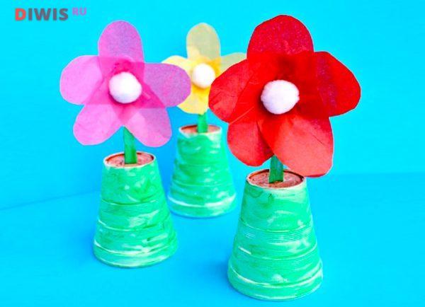 Поделка - цветы из пластиковой ложки