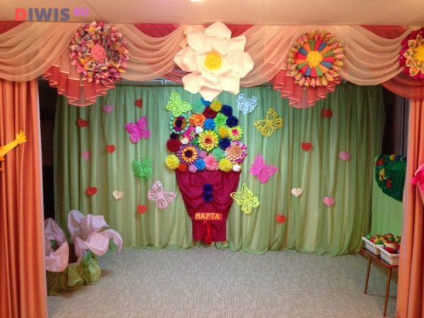 Как украсить зал к 8 Марта в детском саду?