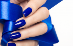 Синий маникюр 2019 - модные сочетания